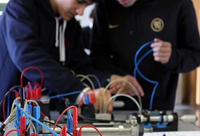 Automàtica i robòtica: avenços en mecatrònica