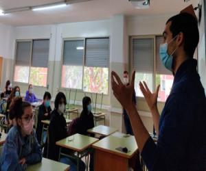Dues noves propostes educatives amb el diàleg entre joves i ciència al centre